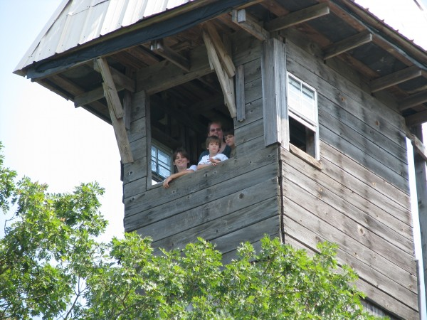Minister's Tree House - Closeup on Family at the Top